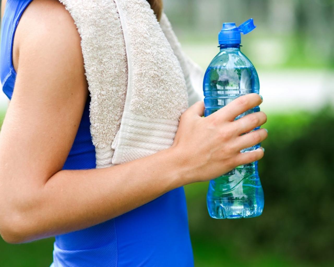 κρυο νερο,κρυο νερο με λεμονι,κρυο νερο και περιοδοσ,κρυο νερο στο προσωπο,κρυο νερο μπανιο,κρυο νερο και διαρροια,κρυο νερο λαιμοσ,κρυο νερο και στομαχι,κρυο νερο στα ποδια